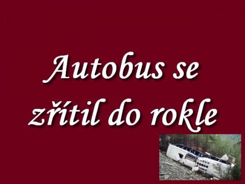 autobus_se_v_horske_krajine_zritil_do_rokle