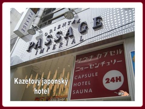japonsko_hotel_capsule